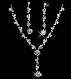 Wholesale Luxury Bridal Set Silver - Luxury Bridal Jewelry Sets Necklace Earrings Wedding Party Shoulder Silver plated Rhinestone Crystal Accessories Wear 15049