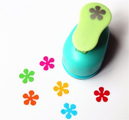 Wholesale Craft Flower Punches - Wholesale- free shipping flower paper punch 15mm 5 8'' shapes craft punch diy puncher paper cutter scrapbooking punches scrapbook S29876