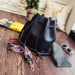 Wholesale Handbag Wholesaler Korean - 2017 new high-quality tide handbags, Korean version of the simple draw with a bucket bag with a portable shoulder bag Messenger bag wholesal