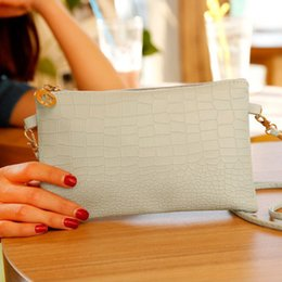 Wholesale Envelope Purse Phone - New fashion women messenger shoulder school bags fashion vintage casual leather handbag new wedding clutches ladies party purse