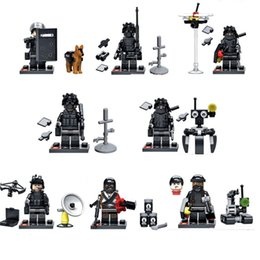 Wholesale Toy City Buildings - DIY Building Blocks Minifigures Action Bricks City Swat Team Commando Military Soldiers with Weapon Kids Christmas Toys 8pcs set