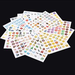 самая таблетка Скидка Emoji наклейка пакет 912 Emoji наклейки самые популярные Emojis для мобильного телефона детские комнаты Home Decor Tablet 19 листов пакет 500шт b08