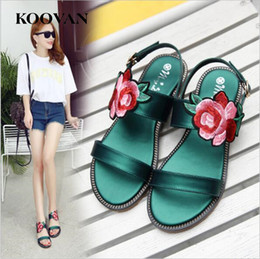 2017 embroidery flat shoes Koovan Fashion Women Sandals 2017 Nouveau Summer Flat Bottom Broderie Flower Sandales de plage National Style Casual Shoes Big Size W 111 embroidery flat shoes ventes