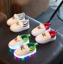 Wholesale Korean Fashion Shoes For Kids - Shoes For Kids PU Spring Winter Battery 3 Design Korean Colorful Fashion Glowing Unisex Sneakers Light Shoes Leisure Free Shipping