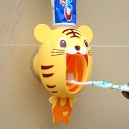 Wholesale Toothbrush Toothpaste Holder For Bathroom - Cartoon Lazy Automatic Toothpaste Dispenser Creative Plastic Toothbrush Holder Tiger Pig Panda Design Bathroom Supplies For Kids 9 7dm A