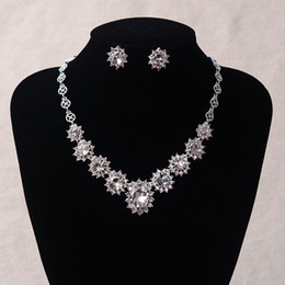 Wholesale Necklace Sparkling Earrings - High Quality 2017 Sparkling Crystal Bridal Jewelry Cheap Rhinestones Bridal Jewelry Set Silver Plated Wedding Necklace & Earrings