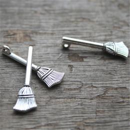 30pcs - Pendants de balai, pendentifs antiques de charme en argent tibétain 28x10mm ? partir de fabricateur