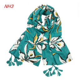 Wholesale Girl Muslim Scarf Hijab - High quality New Design Really Nice And Elegant Cotton Tassel Fringe Hijab Muslim Scarves For Girl To Christmas Gift Winter Scarf Women