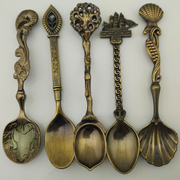 Wholesale Royal Cutlery Set - 5pcs lot Vintage Royal Style Carved Spoons Coffee Spoon Flatware Cutlery Kitchen Dining Bar Tools Mini Ice Cream Spoon Set
