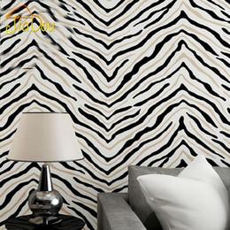Zebra wanddekor online-Moderne 3D stereoskopischen Streifen Vliestapete Zebra Muster Schlafzimmer Wohnzimmer TV Hintergrund Wall Decor Wallpaper Roll Größe