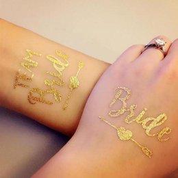 2019 disegni di arte 3d Tatuaggi da addio al nubilato Tatuaggi metallizzati oro Tatuaggi temporanei per la sposa della squadra, tatuaggi finti, regalo di damigella d'oro metallizzato