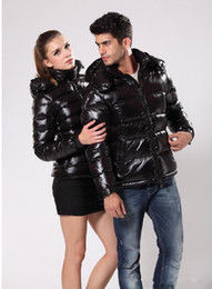 Wholesale Short Down Coats Women - NEW MEN'S and woman Brand DOWN JACKET MAYA SHORT COAT OUTWEAR Down jacket jacket Coat red and black Hooded coat