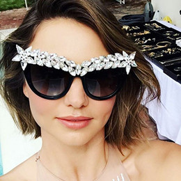 2019 óculos de sol elegantes Chegada nova Cristal Diamante Cat Eye  Sunglasses Mulheres Designer de Marca 764aa75483