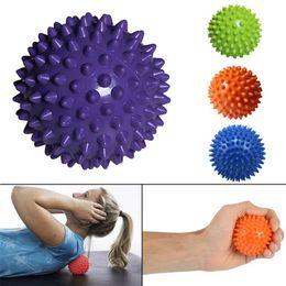 pelotas de goma para gimnasia Rebajas Nuevo balón de rodillos de masaje de punta de 3 pulgadas perfecto para masaje de pies / espalda todo el cuerpo terapia de tejido profundo entrenamiento de yoga bola de la aptitud