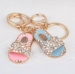 Wholesale Fashion Slippers For Girls - New Fashion Hot Creative Slippers Shape Keychain Alloy Girls Bag Ornaments Key Chain Gifts For Couple Jewelry