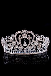 Wholesale Sparkling Crystals Crowns - Sparkle Crystals Beaded Wedding Crowns 2017 Bridal Crystal Veil Tiara Crowns Headband Hair Accessories Party Wedding Tiaras Cheap Free
