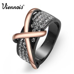 Wholesale Ladies Fashion Cross Ring - Viennois Rose Gold Gun Plated Cross Finger Rings for Woman Rhinestone Cocktail Engagement Ring for Lady Fashion Jewelry Gift
