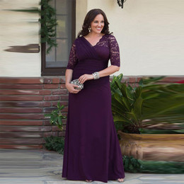 Vestidos de concurso para mujer talla 14. online-Más el tamaño de una línea de la madre de la novia vestidos de media manga de gasa de encaje mujeres del desfile de vestidos de fiesta trajes de novio largo