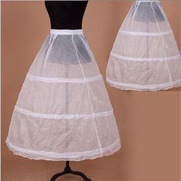 Vendita calda sottogonne 2017 Brand New 3 Cerimonia Abito da sposa abito sottogonna Crinolina Ball Gown Accessori da sposa da