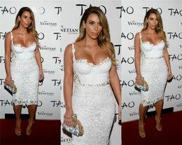 2019 elie saab vestido de cocktail branco Vestidos De Coquetel Na Altura Do Joelho Vestidos De Coctel Elegantes 2019 Rendas Brancas Sexy Duas Peças Vestidos De Baile