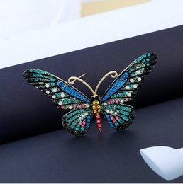 Wholesale Vintage Butterfly Pins Brooches - 4 colors Vintage Multicolor Crystal Butterfly fashion Brooches Animal Pins Up Bijoux XZ28