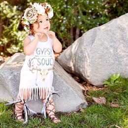 Roupas para o bebê recém-nascido 2016 nova carta Floral branco borlas bebê crianças meninas vestido de festa franja vestido vestido de verão Outfits One-Piece supplier one piece party outfits de Fornecedores de trajes de festa de uma peça