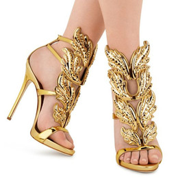opening wings Promo Codes - Sexy Wings Shoes Women Crystal Leaves Winged Sandals Shining Leather High Heels Rome Style Gladiator Zapatos Mujer Gold Silver Sandalias