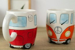 Canecas de café pintadas on-line-Hot Jantar Dos Desenhos Animados Double Decker Bus Canecas Mão Pintura Retro Copo De Cerâmica Café Leite Caneca De Chá Drinkware Presentes Novetly