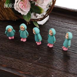 gnomi da giardino fiabeschi in miniatura Sconti Wholesale- 5PCS / Set Mini Girl Fairy Garden Figurine Miniature Resina Artigianato Ornamento Ornamento Gnomi Moss Terrari Decorazioni per la casa