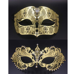 Wholesale Couples Masquerade Masks - Wholesale- Gold Metal Party Mask Phantom Men Women Filigree Venetian Mask Set Masquerade Couple Masks Set Crystal Cosplay Prom Wedding Mask