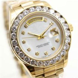 бриллианты золотых часов 18к Скидка Роскошные наручные часы Марка День подарков Дата 18K Золотые мужские часы Большие часы с бриллиантами Автоматическая механическая рамка с черным циферблатом Часы с бриллиантами # 68