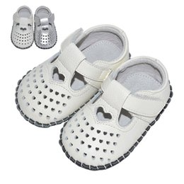 Wholesale hollow hook - Baby Sandals Hand Sewn Genuine Leather Handmade Hollowed Soft Sole Infant Walking Shoes Baby Casual Shoes