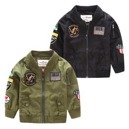 Chaquetas verdes niños online-2017 Primavera Otoño Chaquetas para Boy Coat Bomber Jacket Army Green Boy's Windbreaker Chaqueta de Invierno Niños Niños Chaqueta