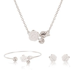 Wholesale Bridal Jewlery Sets - White Flowers Earrings With Stones Necklace And Earrings Bracelet Set Fashion Bridal Jewlery Sets For Women Statement Necklace