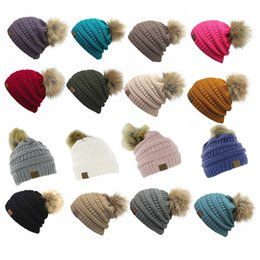 Wholesale Fedora Wholesale Hats - Unisex CC Trendy Hats Winter Knitted Fur Poms Beanie Label Fedora Luxury Cable Slouchy Skull Caps Fashion Leisure Beanie Outdoor Hats F898-1