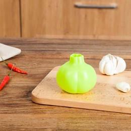 Macchina di zenzero dell'aglio online-1 pz Nuova Cucina Ginger Aglio Manuale peeling macchina Strumento di Cottura gel di silice L'aglio preme sbucciatori Blender Spedizione gratuita