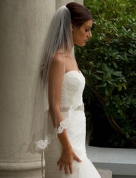 Wholesale Short Tier Wedding Veils - 2017 Single Tier Stunning Couture Bridal Veil White Ivory Short Lace Wedding Veil With Comb Voile Mariage