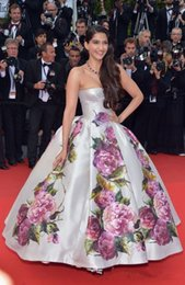 Wholesale Custome Made Flower Dresses - Celebrity dress Cannes sonam Ball gown Strapless Print flower A-Line custome Prom Gowns Made Sweep Train Plus Size