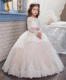 Wholesale Long Sleeve Wedding Gowns Rhinestones - Luxurious 2017 Arabic Flower Girl Dresses Long Sleeves Lace Ball Gown Child Wedding Dresses Vintage Little Girl Pageant Dresses FG01