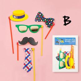 Accesorios de fotografía de bodas online-Fotografía divertida para DIY Máscara Linda Gafas Stick Props Herramientas Traje de Boda Máscara de fiesta Decoraciones máscaras Máscara de Halloween 45