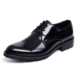 Wholesale New Oxford Mens Shoes - Derby Shoes Patent Leather Pointed Toe Lace-Up Classic Mens Formal Shoes Elegant Dress Shoes Black Brown 2017 Spring New Office Man