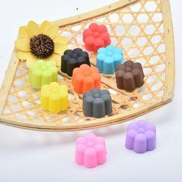 2019 tazas de silicona mini cupcake Mini 3CM Cupcake de Silicona Lotus Cake Cup No Tóxico y sin sabor Multi Función Pudding Jelly Silicone Mold 0 35hl J tazas de silicona mini cupcake baratos
