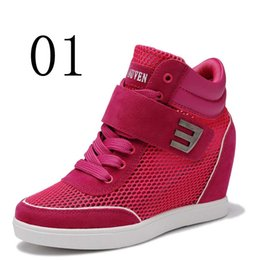 Canada Femmes Casual Fashion Wedge Talons hauts augmentant rose rouge gris bout rond Lace Up Mesh respirant femmes chaussures supplier grey high heeled shoes Offre