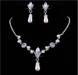 Wholesale Pearl Earring Wedding - Bling Bridal Jewelry Imitation Pearls Bride Prom Wedding Jewellery Sets 2016 Necklace Drop Earrings Cinderella Accessories New 2017
