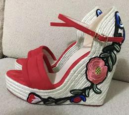 Nouveau Designer De Luxe De Mode Brodé À La Main De Chanvre Tissé Wedge Talons Sandales Femmes Plate-Forme Chaussures À Talons Hauts D'été Chaussures Femme ? partir de fabricateur