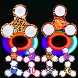 Wholesale Cross Light Wholesale - LED Fidget Spinner Camouflage Camo 8 Colors Colorful ABS EDC Spinners with light Gyro Cross Style Hand Tri Fingertip With Retail OTH469