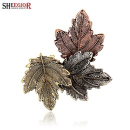 Wholesale Vintage Leaf Pin Brooch - Vintage Collar Brooches for Women Lovely Maple Leaf Brooch Men Badge Broches Jewelry Fashion Lapel pin Bijoux Femme Accessories