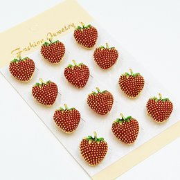 Wholesale Indian Cheap Wholesale Goods - Red Strawberry Brooch Hot Selling Detailed Cute Small Brooch Pins Cheap Factory Wholesale Collar Pins Good Gift Broach