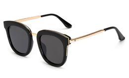 Wholesale Korea Sunglasses - Hot South Korea square retro sunglasses men and women driving fashion Oculo sunglasses V logo emblem metal glasses