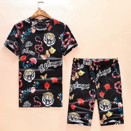 Wholesale Summer Pullovers Men - Free Shipping 2017 New Arrival Fashion Summer Short Suits Digital Printed Snake Design Full Cotton Mens Casual Short Sets Hot Sale